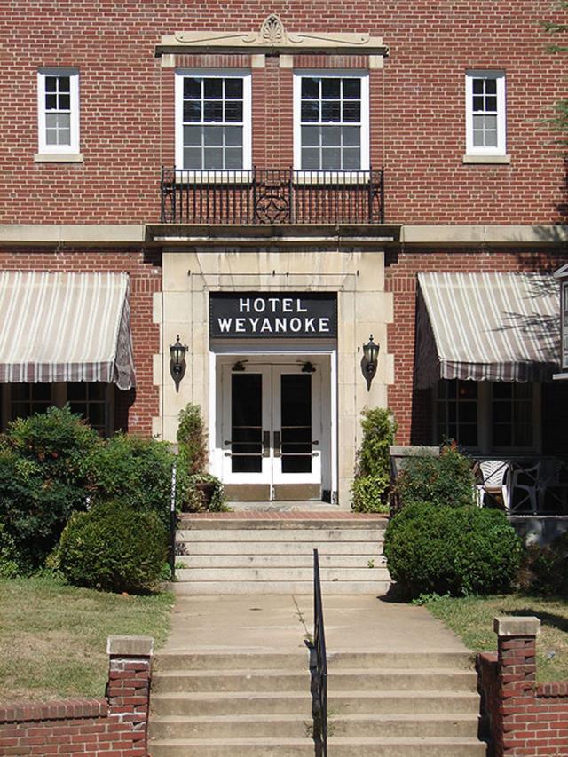 Auction In Coop W Lender Historic Hotel Farmville Va